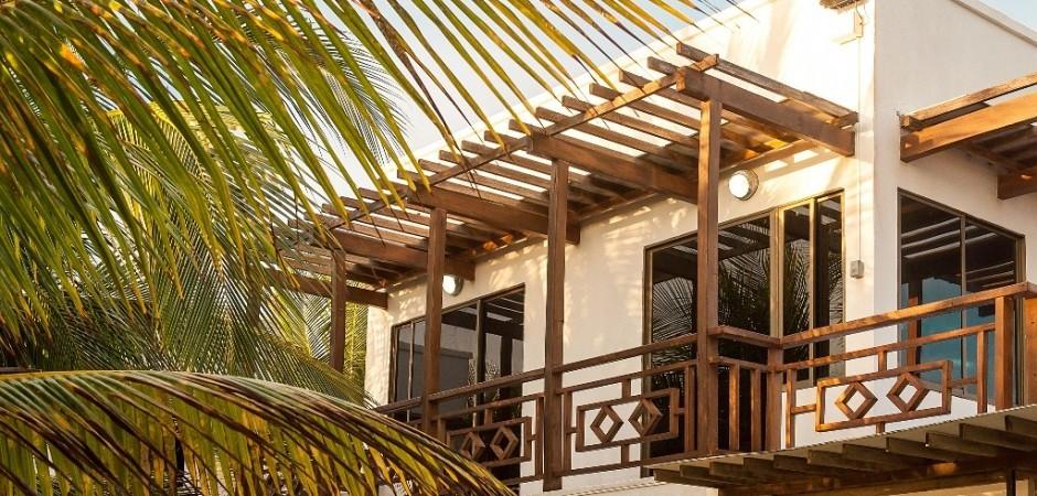 Balcon de las habitaciones Fuente hotelsanluisvillage com
